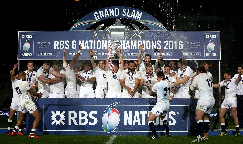 England rugby player celebrates grand slam in 6 nations 2016